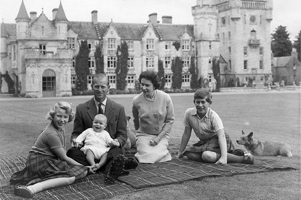 Familia real en el palacio de Buckingham