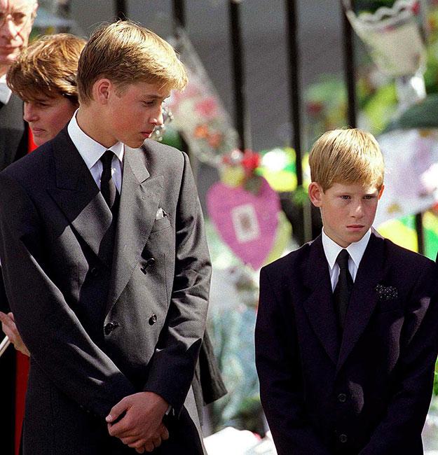 William y Harry en el funeral de la princesa Diana