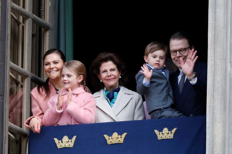 Princesa Victoria y Daniel Westling con sus hijos