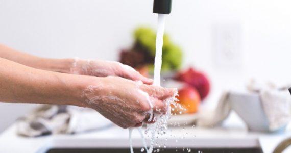 lavar trastes es bueno para tu salud