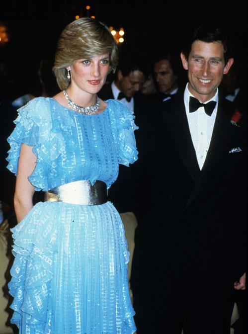 Looks inolvidables de gala y coctel de Diana de Gales