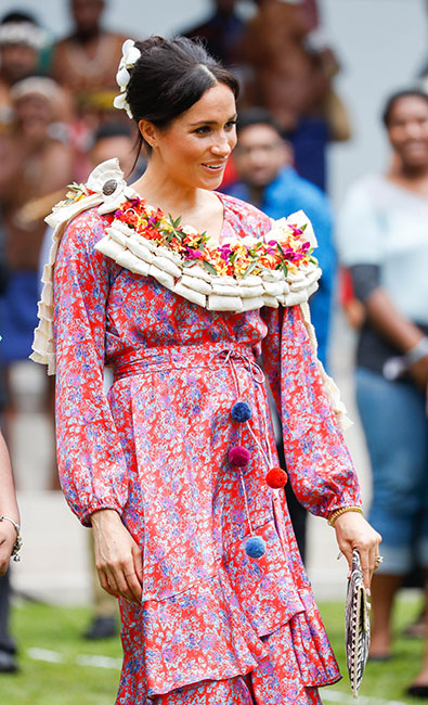 Meghan con vestido floral