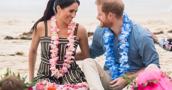 Meghan y Harry en playa de Síndey