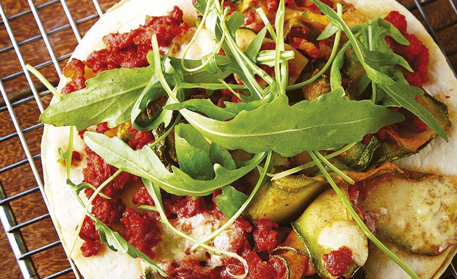 Pizza de kale, hongos y arándanos
