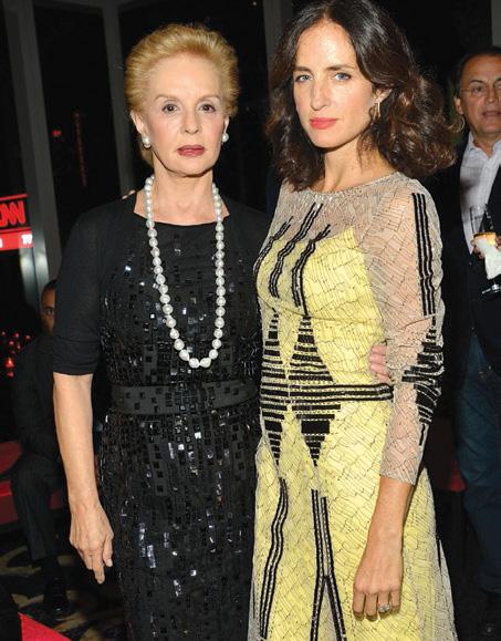 La diseñadora en la gala de Vanidades, acompañada de su hija Carolina Herrera de Báez.