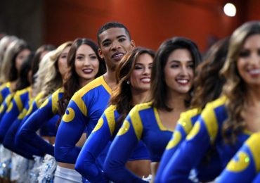 Cheerleaders varones en el Super Bowl