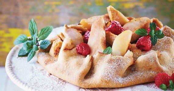 Crostata de peras y frambuesas