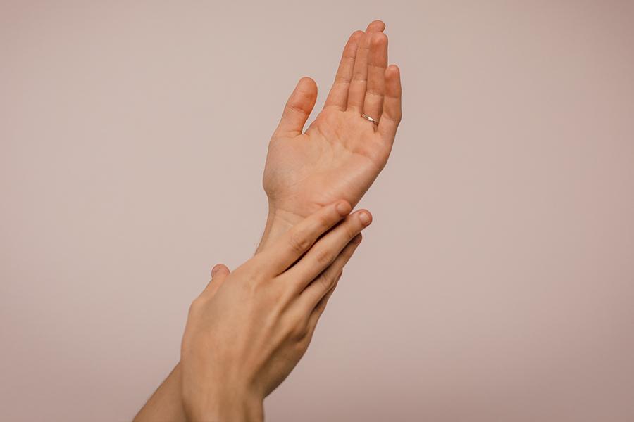 Cómo cuidar las manos de tanto lavarlas