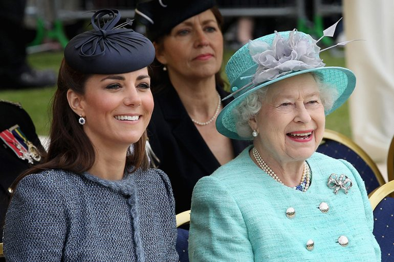 Kate Middleton y reina Isabel