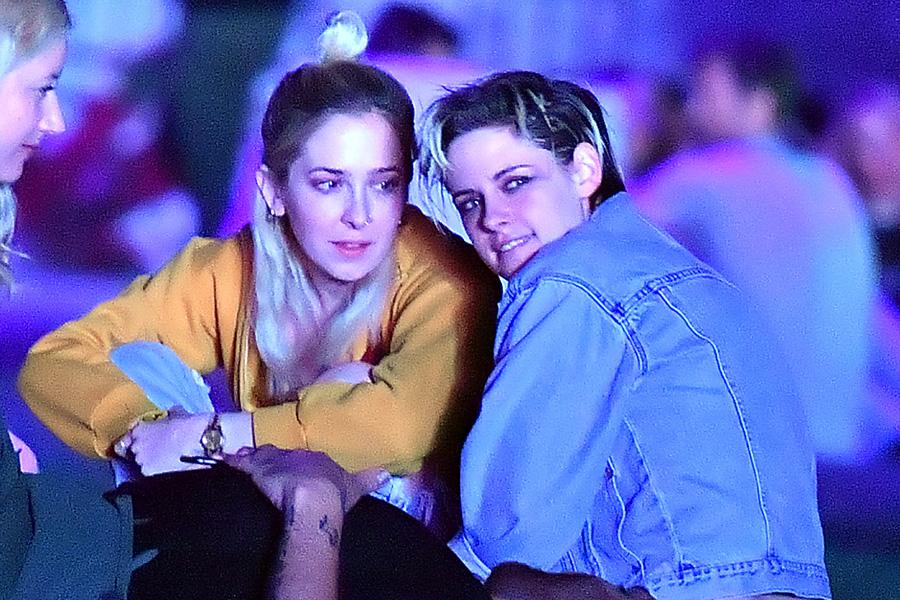 Sara Dinkin y Kristen Stewart