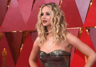 Jennifer Lawrence comienza a beber a las 5 de la tarde