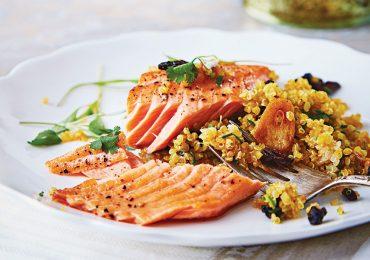 Salmón con ensalada de quinoa