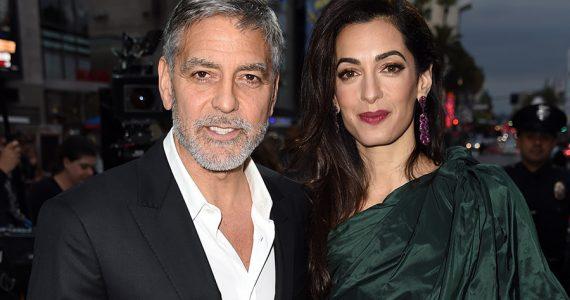 """George y Amal Clooney en première de """"Catch 22"""""""
