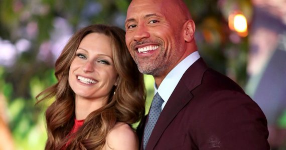 Lauren Hashian y Dwayne Johnson
