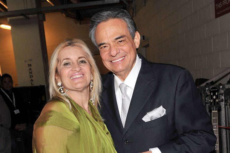 Sara Salazar y José José
