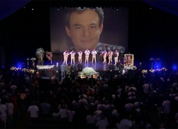 Adiós a José José en Miami