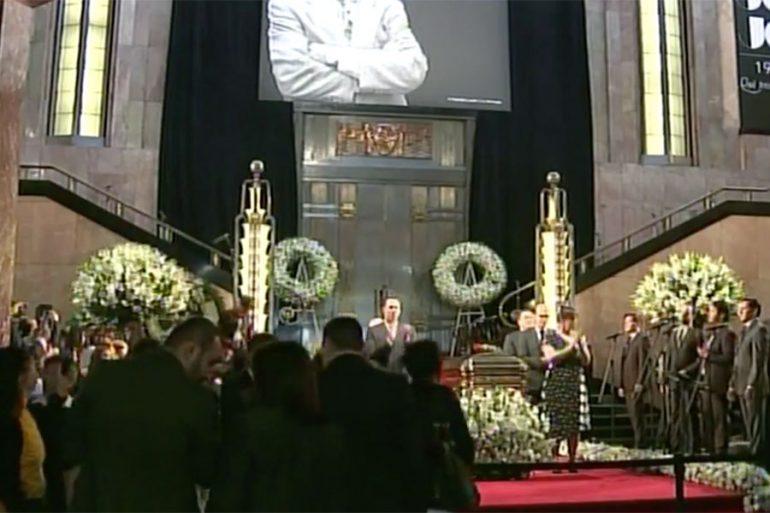 homenaje a José José
