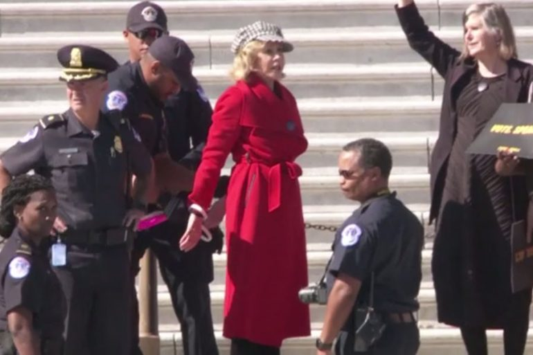 Jane Fonda es arrestada