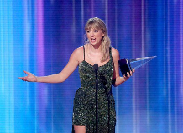 ¿El nuevo álbum de Taylor Swift tiene un colaborador secreto?