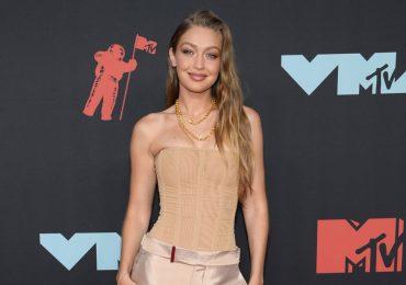 ¡La madre de Gigi Hadid confirma que su hija sí está embarazada!