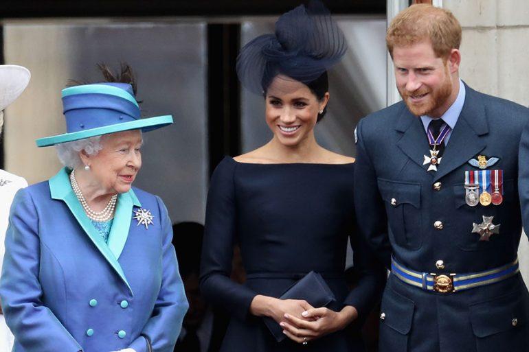 La reina Isabel se reunirá con el príncipe Harry en busca de una solución