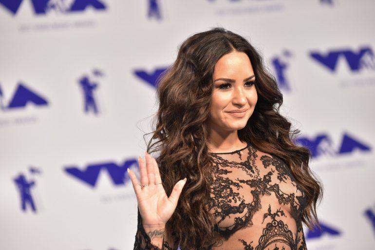 Demi Lovato pareja mujer