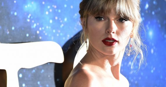 Taylor Swift ofrece canciones de Lover'