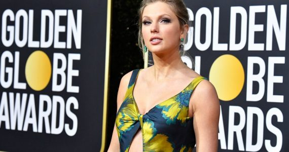 Taylor Swift recibió su diploma escolar por correo