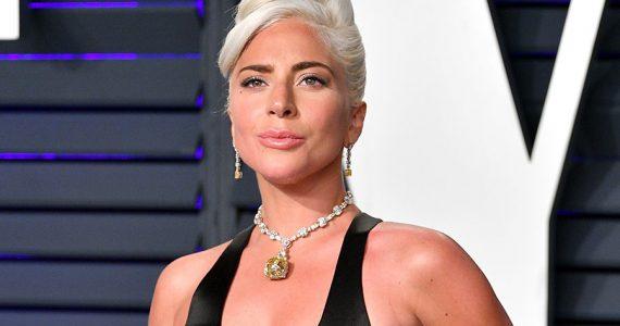 Lady Gaga casi les provoca un infarto a los guardaespaldas de su collar en los Oscar