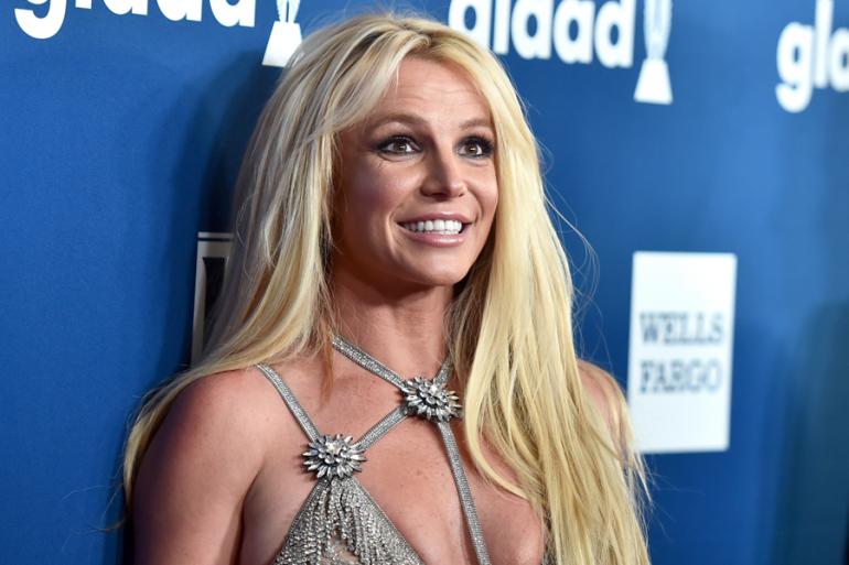 Britney Spears pie roto