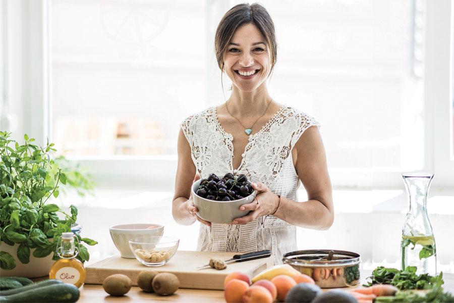 ¿Cuántas calorías debe comer una mujer de 49 años?