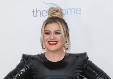 Kelly Clarkson retoques digitales