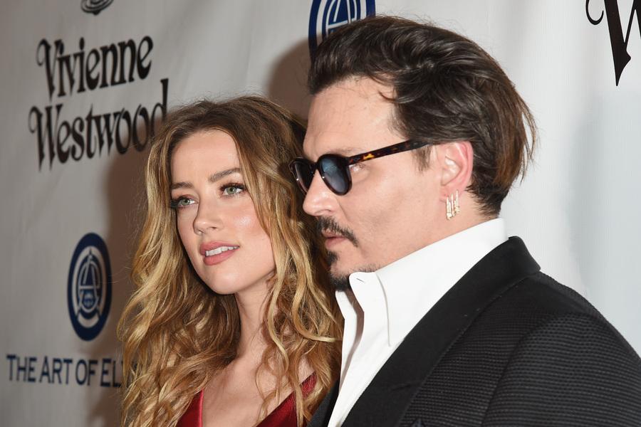 Wynona Ryder defiende a Johnny Depp