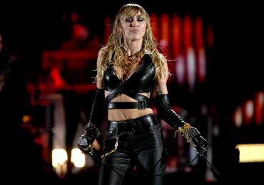 Miley Cyrus tiene nuevo tema con Billy Idol