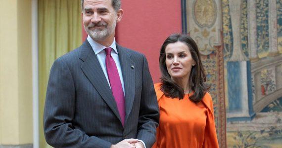 Reyes de España suspenden visita a Estados Unidos