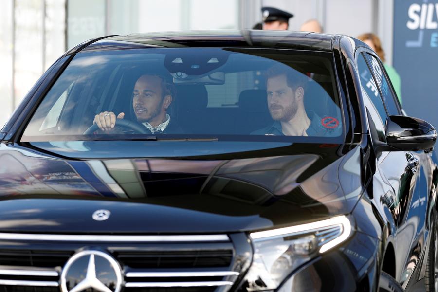 Príncipe Harry y Lewis Hamilton