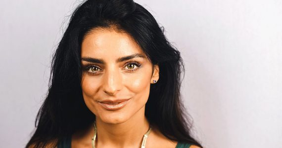 Aislinn Derbez estrena podcast