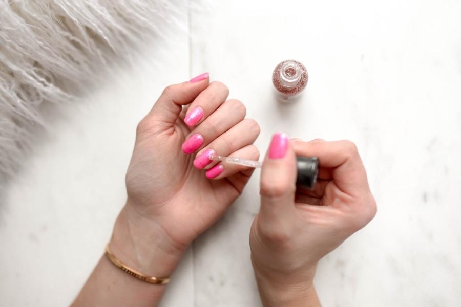 ¿Te pintas las uñas? ¡No lo hagas durante la cuarentena!