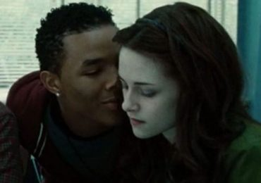 Gregory Tyree Boyce y Kristen Stewart en Twilight