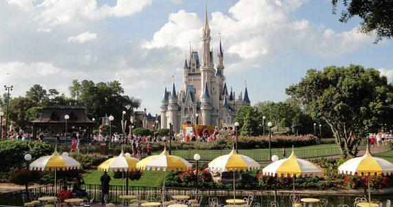 Disney World abre algunos restaurantes y negocios en Florida