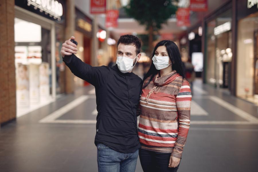 Amor en días de pandemia: solteros reinventan el mundo de las citas