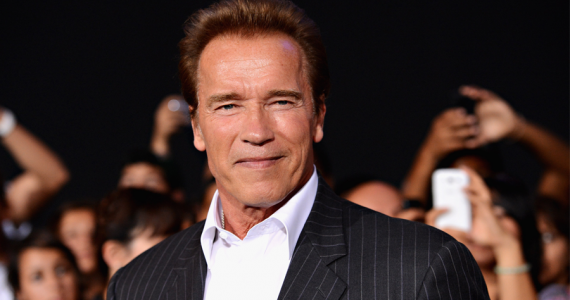 ¿Por qué Arnold Schwarzenegger concedía tantas entrevistas radiofónicas en sus inicios?