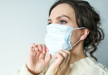 Tocarte la cara es una acción tan natural que dejar de hacerlo, aunque de ello dependa que no te contagies de coronavirus, puede ser todo un reto. Te compartimos algunos consejos para lograrlo:
