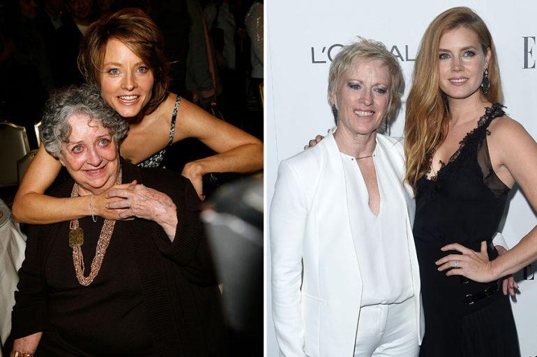 Jodie Foster y Amy Adams con sus respectivas madres