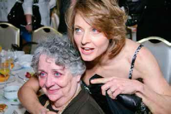Jodie Foster y su madre Evelyn 'Brandy' Almond