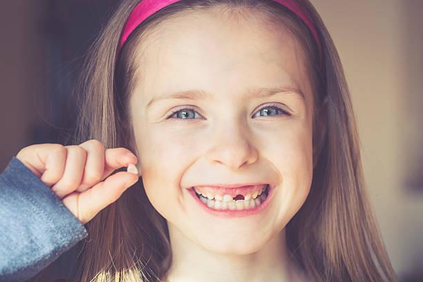 ¿Sabías que guardar los dientes de leche de tus hijos puede salvarle la vida en el futuro'