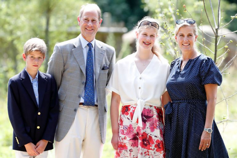 Lady Louise Windsor, Sophie, condesa de Wessex, James visconde Severn y príncipe Eduardo, conde de Wessex