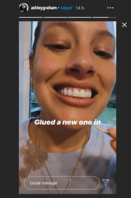 Ashley Graham perdió un diente comiendo una galleta