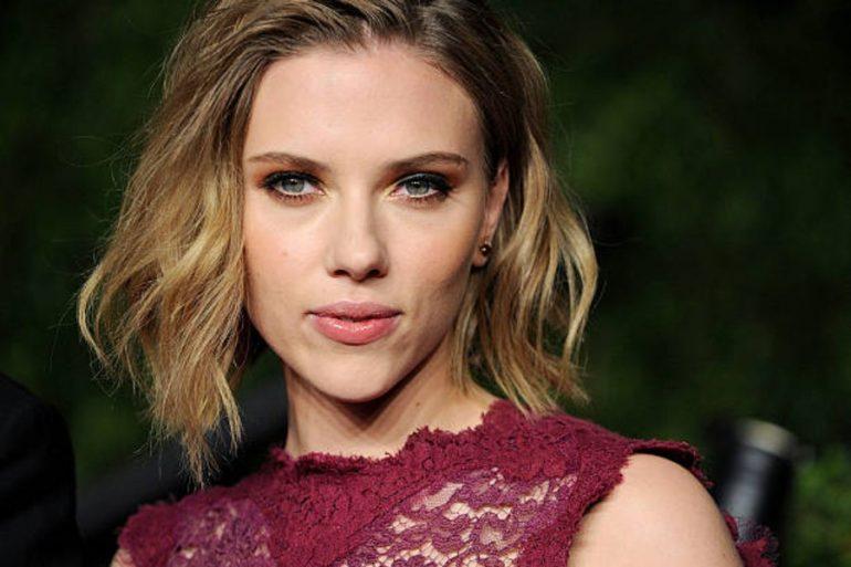 Scarlett Johansson siente más presión que nunca para mantenerse delgada