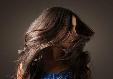 Los problemas comunes del pelo latino y cómo solucionarlos, según estudio